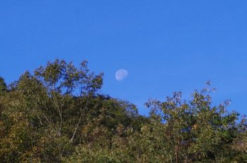 02-moon.jpg